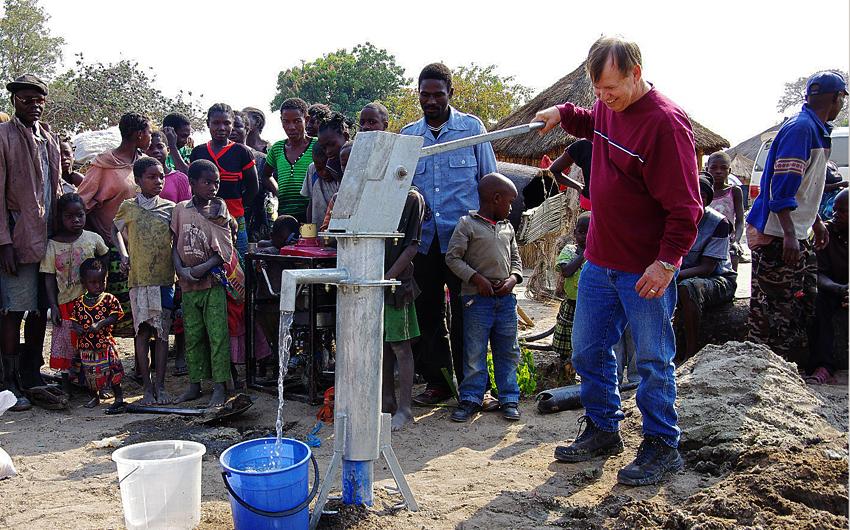 Web-pumping water