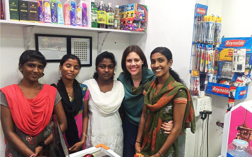 Molly, India, Market